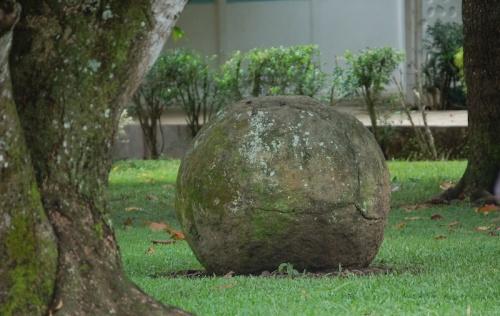 Esfera Pejibaye iglesia