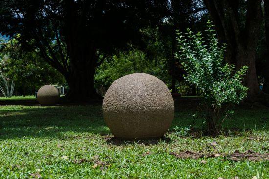 Esferas sol cenital parque Palmar Sur